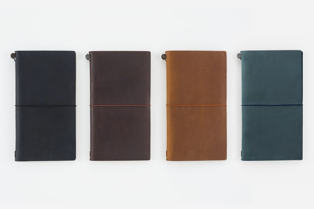 TRAVELER'S COMPANY  TRAVELER'S notebook Regular Size系列 1