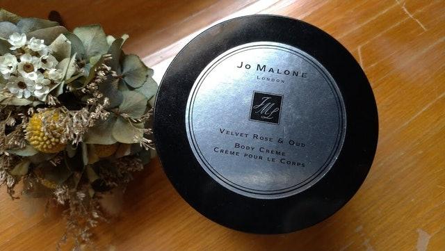 JO MALONE 絲絨玫瑰與烏木潤膚乳霜 1