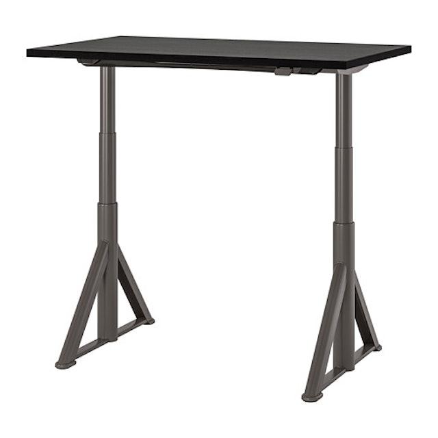 IKEA IDÅSEN 電動升降式工作桌 1