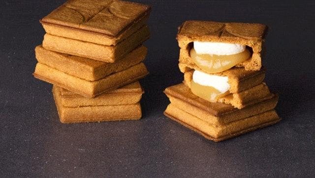 PRESS BUTTER SAND 焦糖奶油夾心餅 1