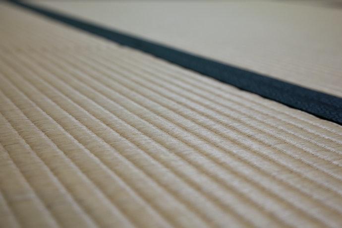 質地佳與防震效果優異的稻草夾層
