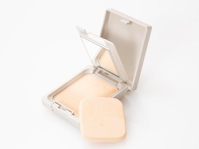 粉餅:容易攜帶,補妝更便利