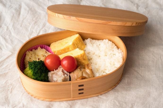 木製:米飯不易乾硬,盛裝外觀誘人