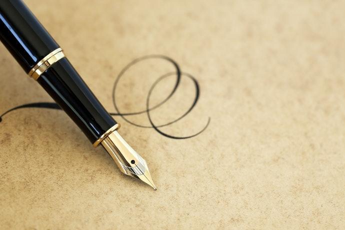 金製:軟彈且種類豐富,可享受滑順書寫手感