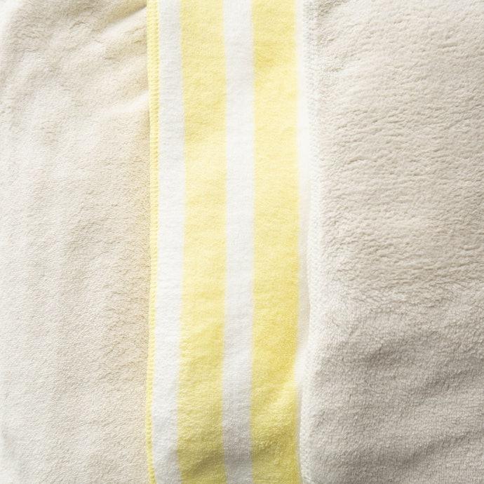 超細纖維:輕量且能快速排濕,清潔保養更省時