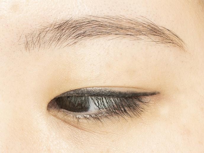 眼線膠:打造柔和神韻