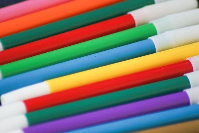 美術創作:推薦選擇水性多色套組