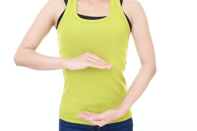 皮膚敏感者宜穿著在薄襯衫或內衣上