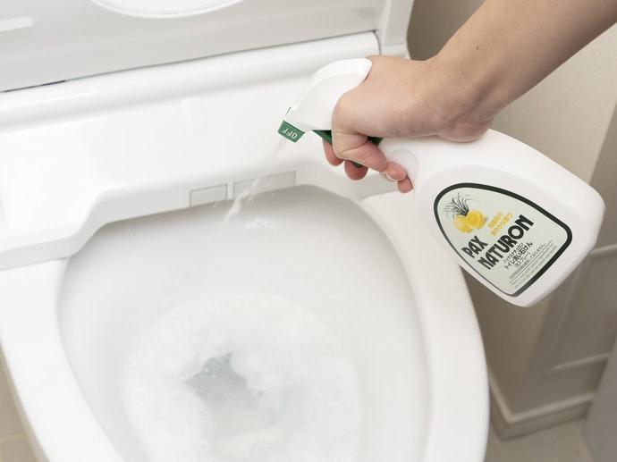 中性清潔劑:適合對付噴濺的尿漬