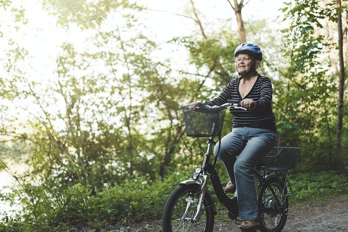 電動輔助自行車:以人力為主且造型功能豐富