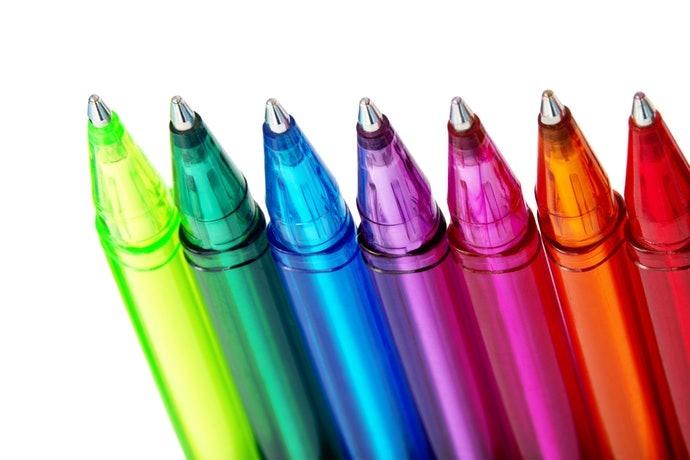 水性墨水:書寫流暢、顏色豐富多樣