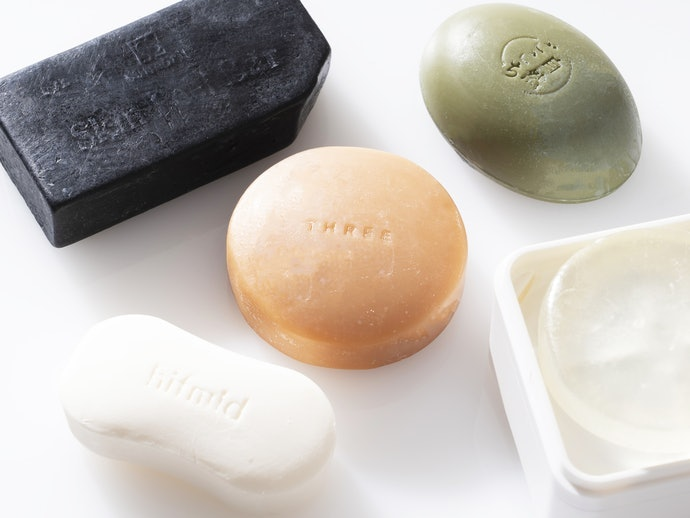 固態皂:改善皮脂造成的黏膩感與汙垢