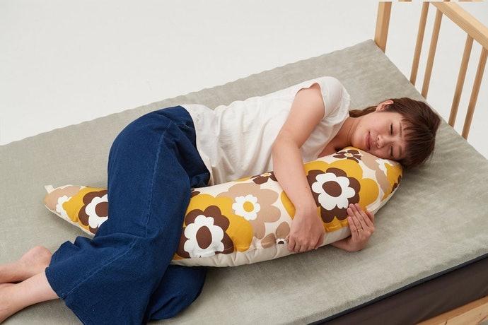 月牙形:懷孕期間也可當成抱枕使用