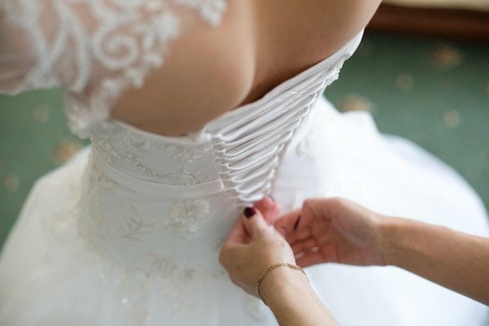 婚禮時穿戴:美觀至上