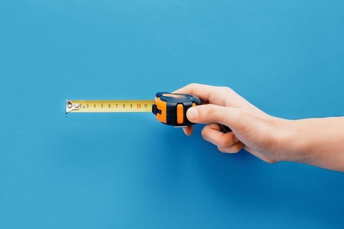 尺寸:寬敞空間適合45cm 以上,不規則格局以30cm 尤佳