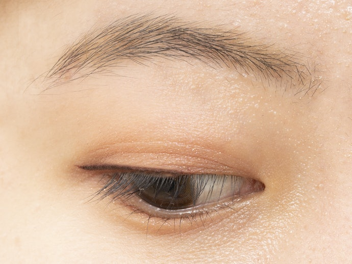 紅色:營造溫暖柔和的眼神,適合初學者