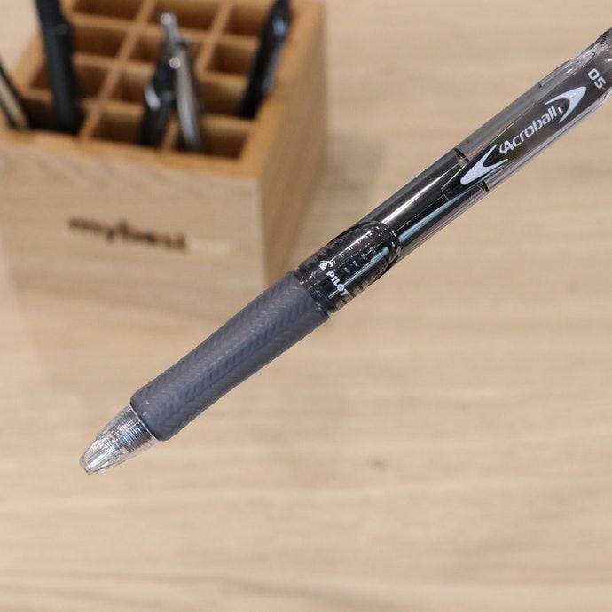 【評比結果】「百樂 輕油舒寫筆」的貼合度最佳