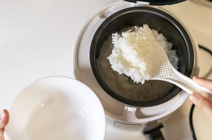 站立式飯匙讓餐點準備更容易