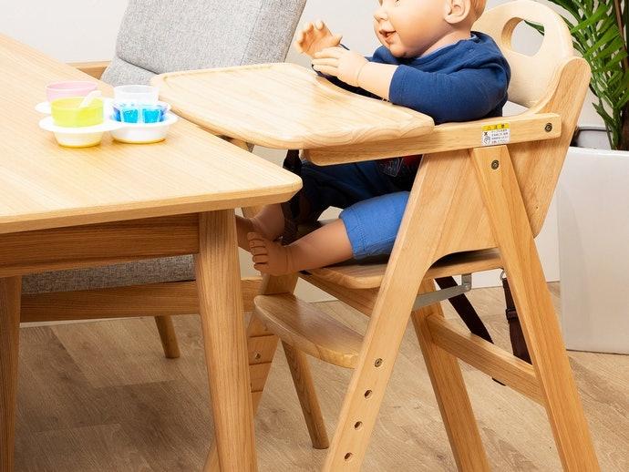 為什麼要使用嬰幼兒餐椅?
