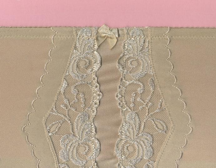 輕薄透氣的網紗材質最理想