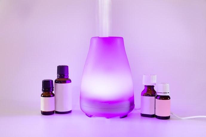 超音波型:香氛會隨著霧化的水分子擴散至空氣之中