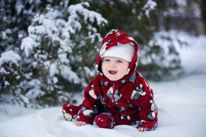 新生兒時期:推薦包覆型外套