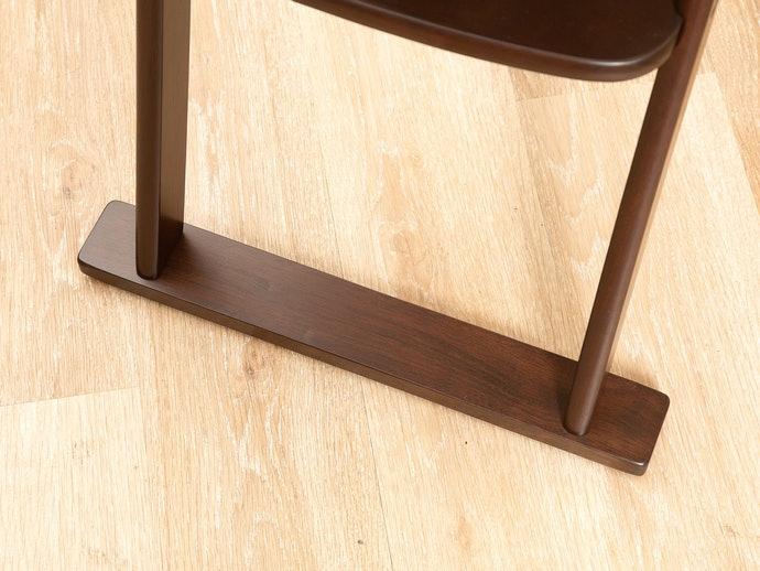 【高腳型實測結果】椅腳與地板接觸面積會左右穩定性,木製品搭配椅墊會更理想