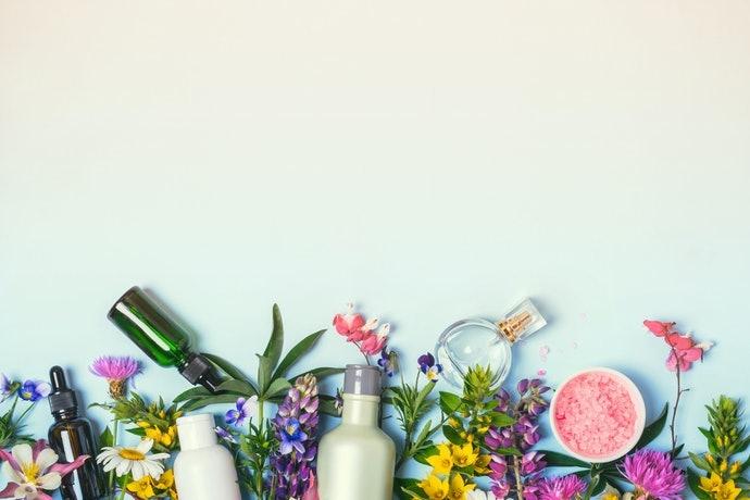 Aura Botanica草本純萃系列:溫和洗淨,適合敏感頭皮