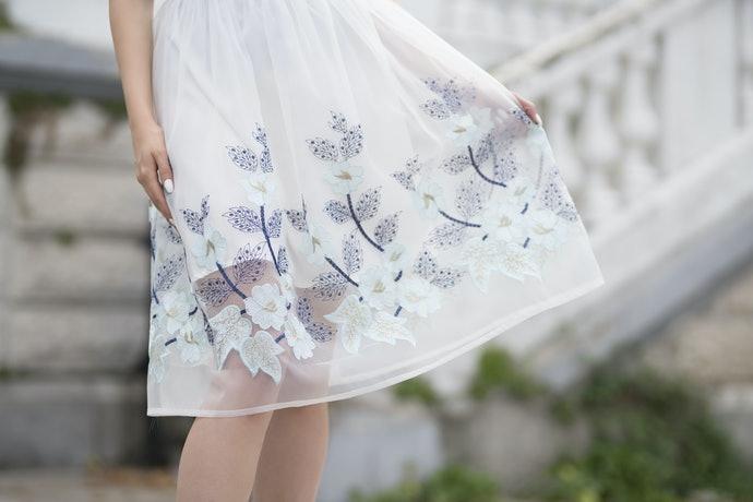 打底裙:與鉛筆裙相性最合