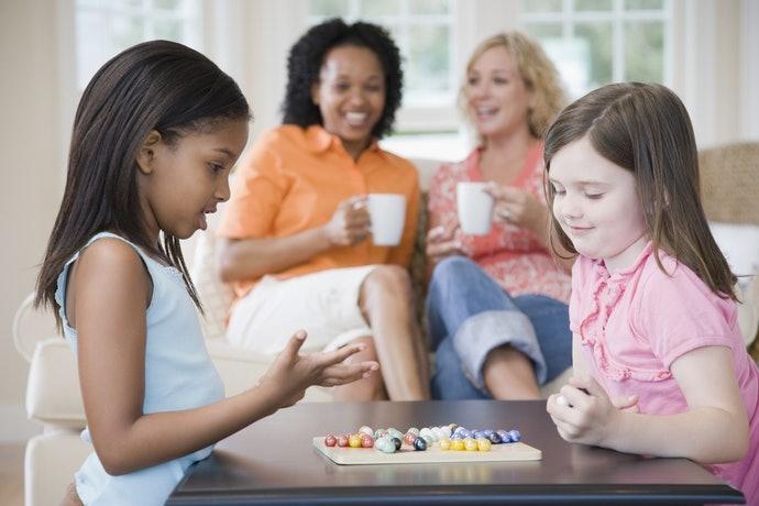 培養溝通能力:可使用卡牌或桌遊類遊戲