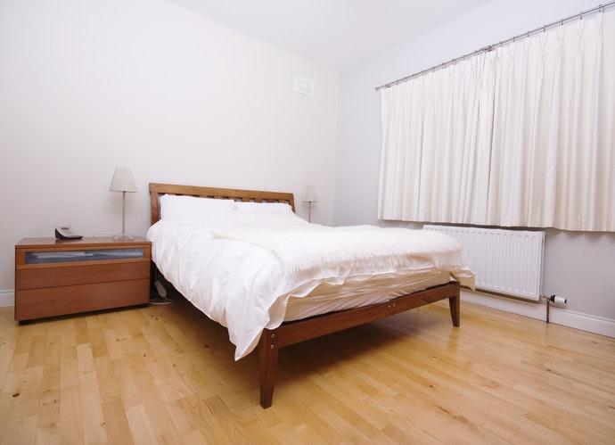 高床架:透氣性佳、不易生黴