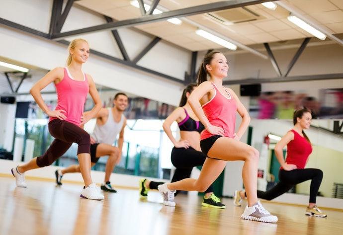 燃燒體脂:選擇健身操和舞蹈等有氧運動