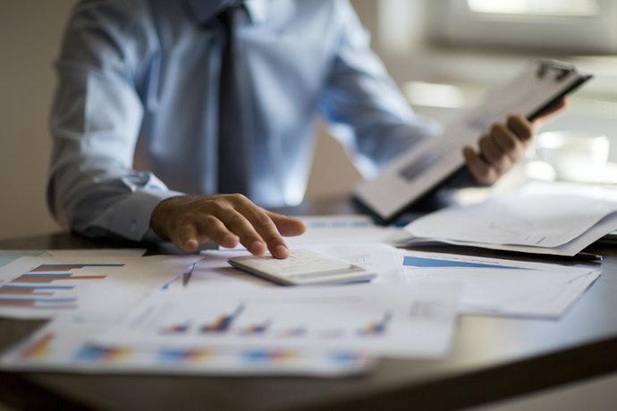 中小企業:依照行業種類、員工規模挑選