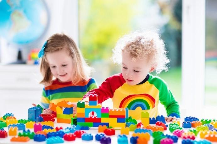 提升想像力及創造力:玩法多樣的積木玩具