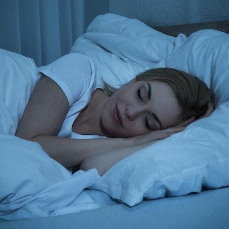 睡前飲用:瘦身與美肌效果最好