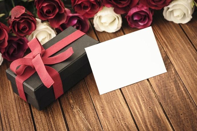 花束可以搭配其他禮品一起贈送