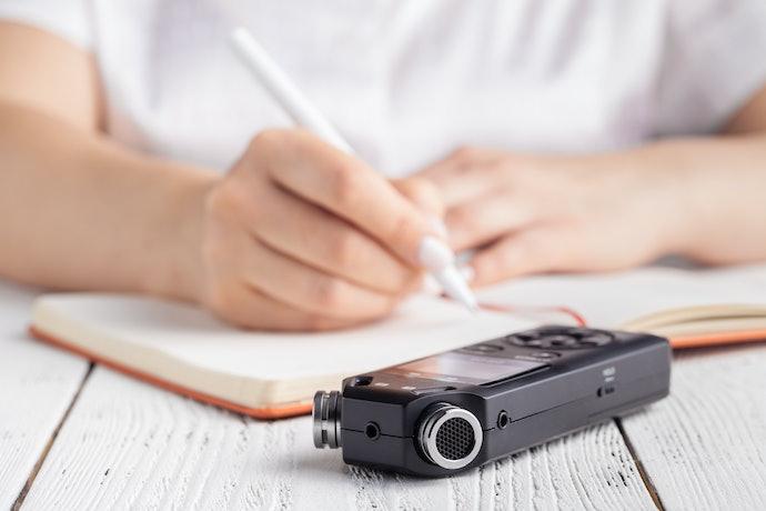 文字起稿工作可選用特別加強重複播放功能的款式
