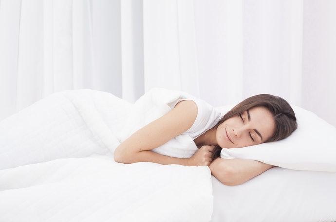 凹型:側躺時可用腳夾住