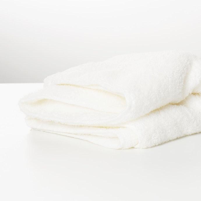 重視「耐久性」者:建議選擇飯店級浴巾