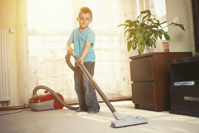 小心使用除塵滾輪,黏性太強恐導致軟木剝落