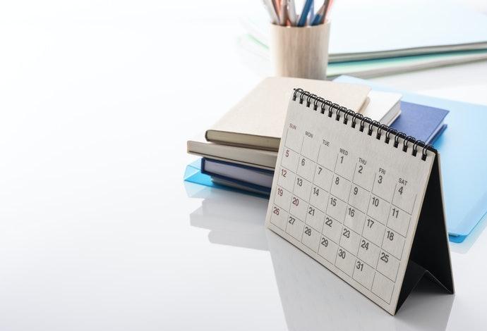 注意桌曆的厚度,選擇適當尺寸