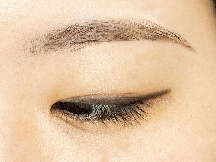 眼線筆:妝感自然清新