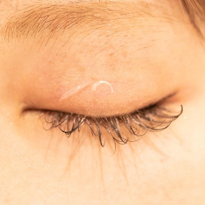 【評比結果】纖維型只需按摩眼皮2~3次就能輕鬆撕除