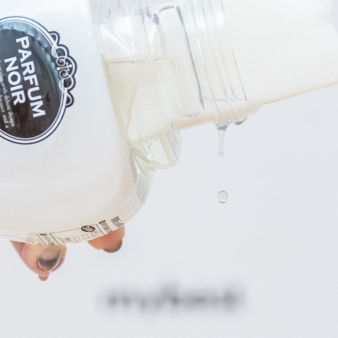 液體型:瓶身設計豐富,須慎防打翻