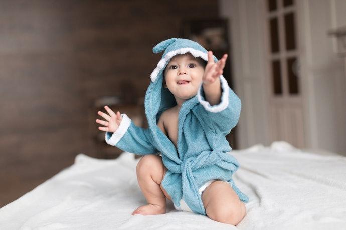 1歲以上:推薦易於活動的迷你浴袍