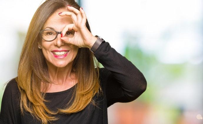 選擇戴眼鏡也可使用的雙筒望遠鏡
