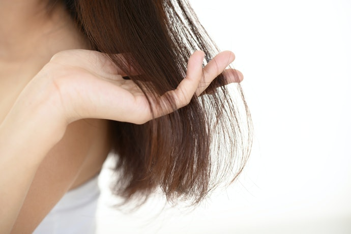 細軟髮質:利用「璐咪可系列」的精油亮澤洗髮精調理