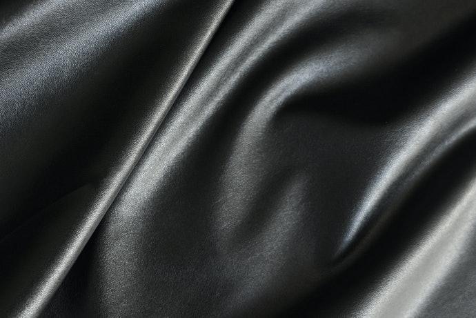 價格划算,能輕鬆使用的「合成皮革」