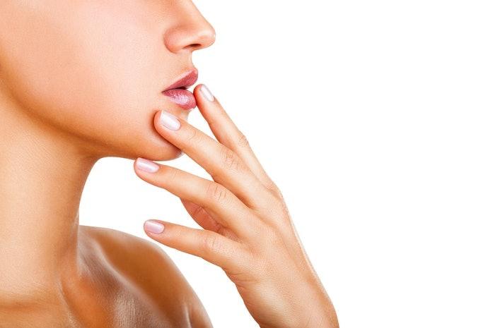 嘴唇易乾燥者:選擇高保濕力的產品