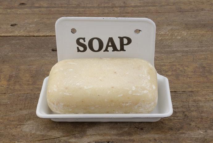 固體皂:清潔力強且經濟實惠